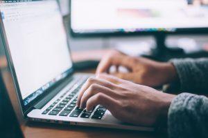 cyber-monday-e-commerce-contro-con-amazon